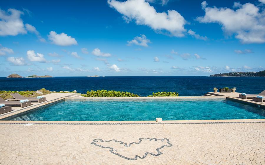 Panoramic view of Caribbean Breeze