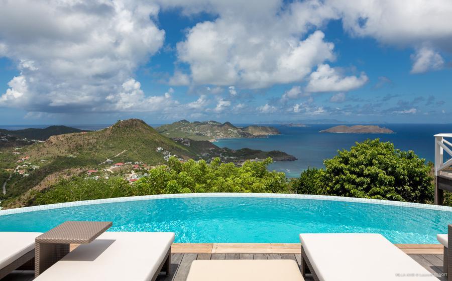 Panoramic view of Zetes villa